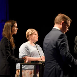 puolueiden puheenjohtajien kanssa Ylen tuloslähetyksessä Pasilassa.