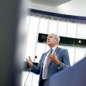 EU-parlamentarikern Richard Corbett i EU-parlamentets plenisal.