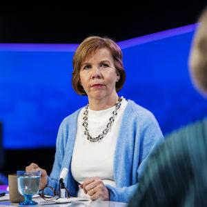 Anna-Maja Henriksson vieraili Ylen Ykkösaamussa lauantaina 27. helmikuuta.