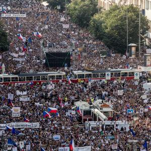 Demonstration mot premiärminister Babiš i Prag 4.6.2019