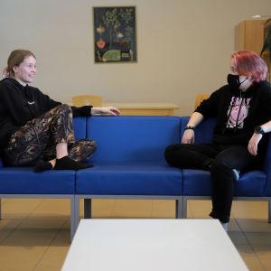 Kerimäen koulun ysiluokkalaiset Lumi Savolainen ja Mikael Nousiainen