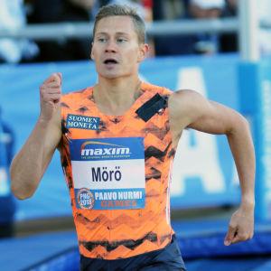 Oskari Mörö löper i Paavo Nurmi Games 2018.