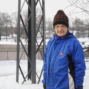 Porträtt på Mikko Siitonen som blev voxpoppad vid Långa Bron i Hagnäs.