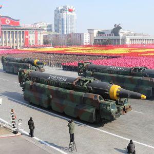 Missilerna som utvecklas nära Pyongyang är modernare versioner av missiltypen Hwasong-15 som kan nå den amerikanska östkusten, inklusive Washington