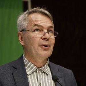 De grönas nya ordförande Pekka Haavisto håller sitt linjetal 17.11.2018