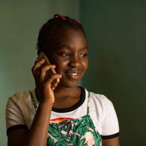 Dokumenttielokuva on kertomus isästä ja tyttärestä sekä maailmasta heidän välissään.
