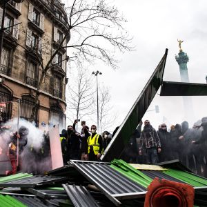 De gula västarna demonstrerar i Paris 26.1.2019