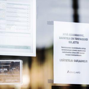 Kuvassa on suljettu Casa Largo -ravintola.