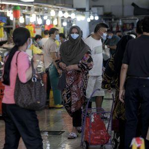 """Marknaden Geylang Serai - en """"wet market""""  - i Singapore 22.4.2020"""