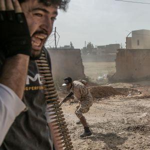 Turkiet har skickat över 2 000 syriska rebeller till Libyen för att skydda den hårt ansatta islamistdominerade regeringen i Tripoli.