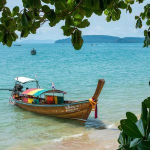 En bild på en båt i Thailand.