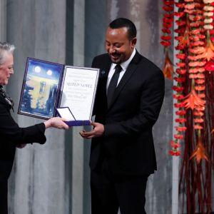 Abiy Ahmed vastaanottaa palkinnon