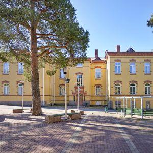 Valteri-koulu Oulun Tuirassa