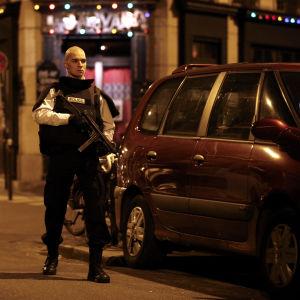Flera explosioner inträffade i Paris
