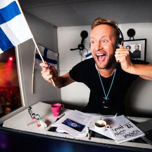 Mikko Silvennoinen juontaa Euroviisut 2017