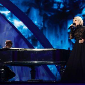 Norma John på Eurovisionsscenen.