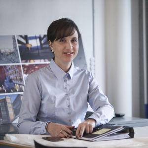 Petra Mede som Katja i dramaserien Bonusfamiljen.