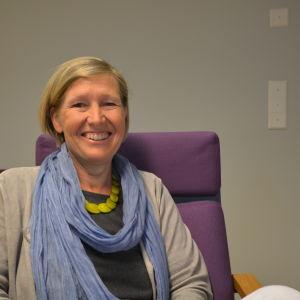 Eivor Sommardahls specialområde är myndigheternas svenska och hon är en av experterna i Språkväktarna.