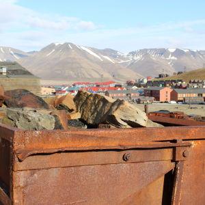 En övergiven godsvagn i Longyearbyen, Svalbard