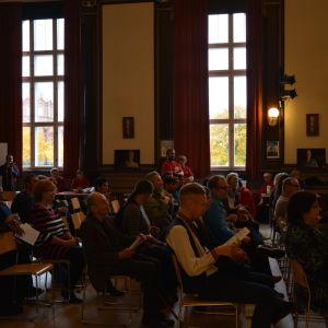 Publiken vid Mirahusets evenemang kring Nej till hatprat