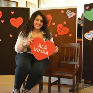 Maral Hamedian deltar i Mirahusets kampanj mot hatprat