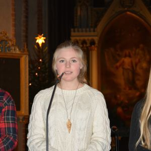 Ingrid Holm, Åbolucia 2014, sjunger under genrepet i Åbo domkyrka 10.12.2014.