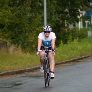 Anna Kultalahti under cykeletappen i Sun City Triathlon