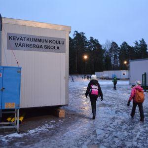 Vårberga skolas baracker.