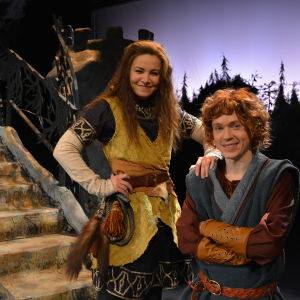 Julia Korander spelar Ronja och Markus Riuttu är Birk
