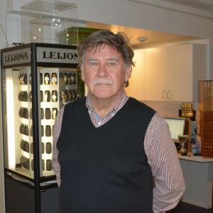 Svante Öström på Öströms guld och optik
