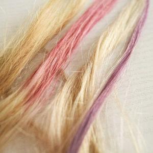 Använd lingon och blåbär för att färgaa håret.