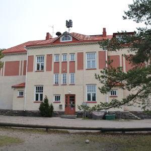 Hangöby skola.