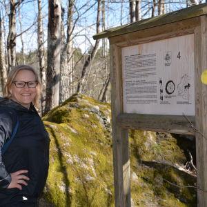 Annika Holmbom i Vaarniemi naturskyddsområde.
