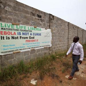 Plancher i Liberia sprider medvetenhet om ebola.