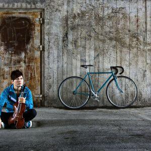Emilia Lajunen bike tour (promokuva)
