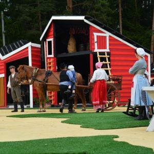 Raseborgs sommarteater 2015 hade också en levande häst med.