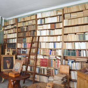 Biblioteket på Stensböle gård.