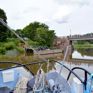 Gamla bron i Borgå sedd från m/s Fredrika