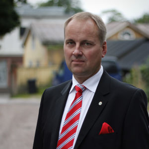 Raseborgs stadsdirektör Tom Simola
