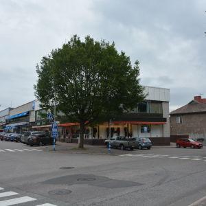 Bangatan och Köpmansgatan i Karis.