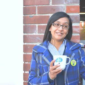 Xiomara Paredes med en kopp kaffe.