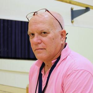 Hilding Lindroos gymppalärare Helsingfors ansvara för lågstadiernas simundervisning och tävlingsverksamhet