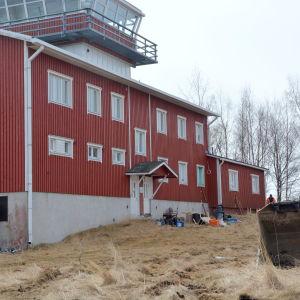 Den gamla sjöbevakningsstationen på Valsörarna.