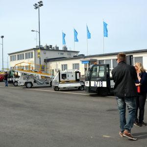Bagagehanteringsvagnar på Vasa flygplats.