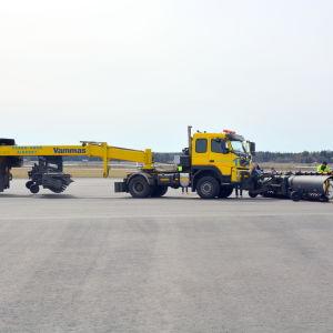 Plogbilen på Vasa flygfält.