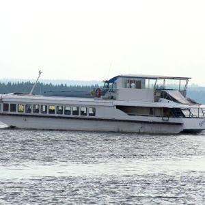 Båten Suvi-Tuuli på havet