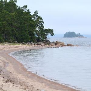 Sandstrand och hav på Våtskär