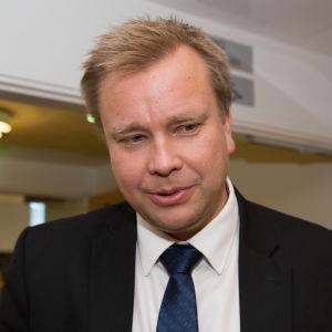 Antti Kaikkonen kansanedustaja eduskunta