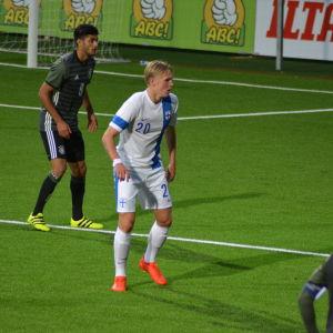 Fredrik Jensen spelar i anfallet för Finlands U21-landslag.