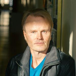 Porträtt på Juha Siltala, professor i historia vid HU